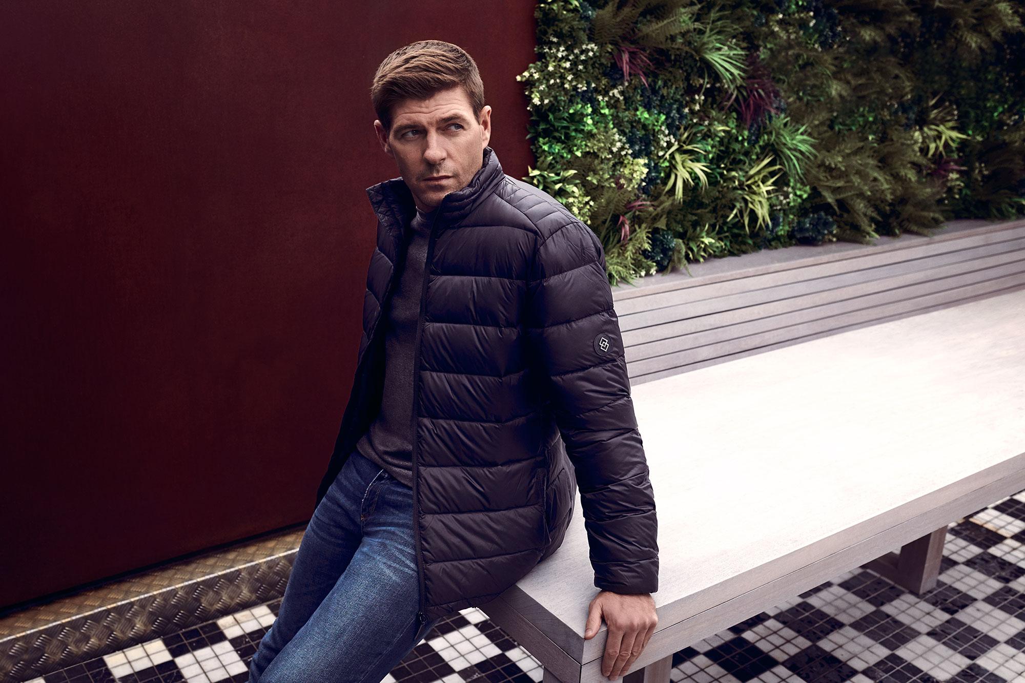 Steven-Gerrard-by-Sane-Seven-campaign-advert-portrait-sitting-2000-px-wide